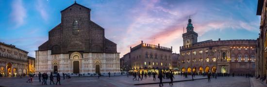 Hey Joe - Piazza Maggiore